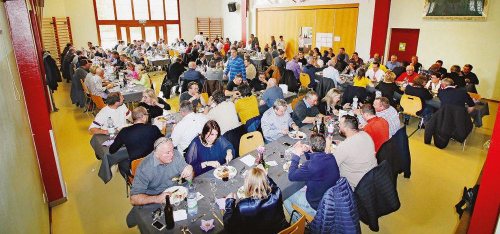 Grancy – Salle pleine pour le repas de soutien du FC Veyron-Venoge